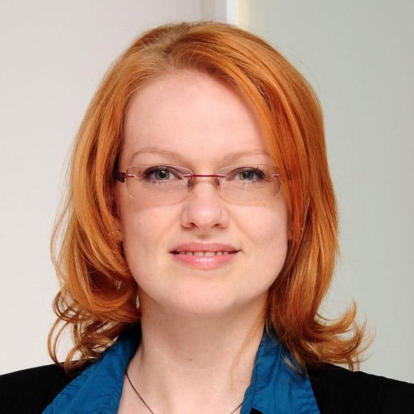 Anja Seipelt, Fachanwältin