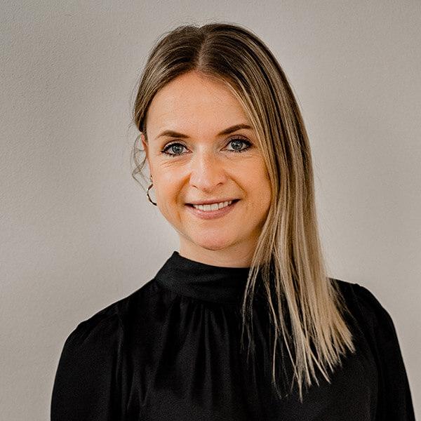 Theresa Lutz, Rechtsanwältin
